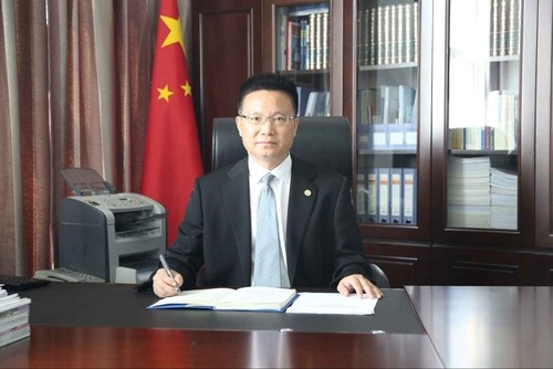 成都大学校长是什么级别 现任成都大学校长王清远简历照片资料